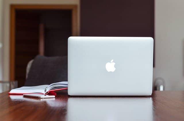 Online vzdělávání jako forma osobního rozvoje.