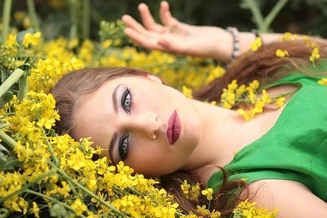 Přírodní kosmetika neustále rozšiřuje svou nabídku. Pomůže vám k větší atraktivitě.