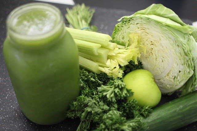 Zelí je výbornou variantou pro zeleninové smoothie