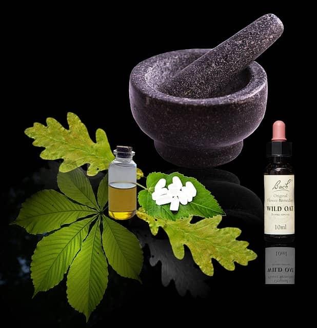 Ájurvéda k léčbě nemocí využívá přírodní oleje