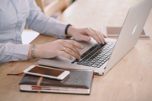 Jak vydat knihu? Začněte jejím napsáním v rámci rukopisu.