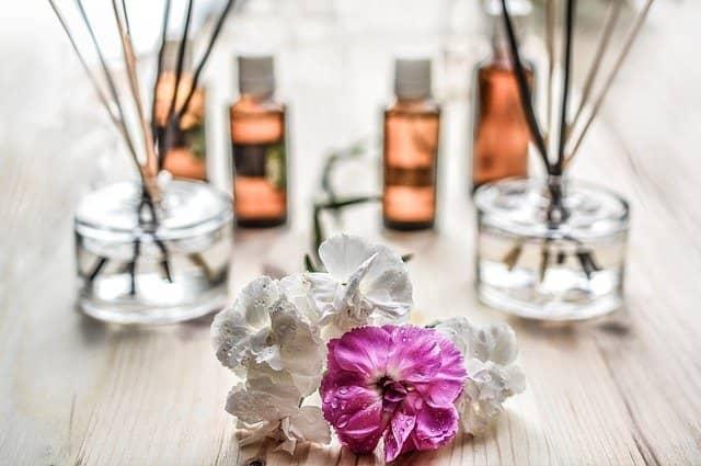 Harmonii navodí i vonné svíčky a oleje
